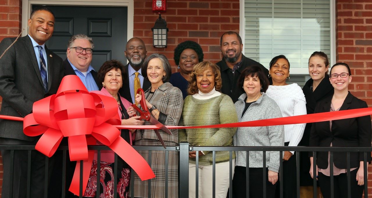 Arbor Knoll Ribbon Cutting